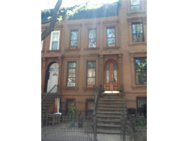 6 BR,  2.00 BTH Multi-family style home in Bedford Stuyvesant