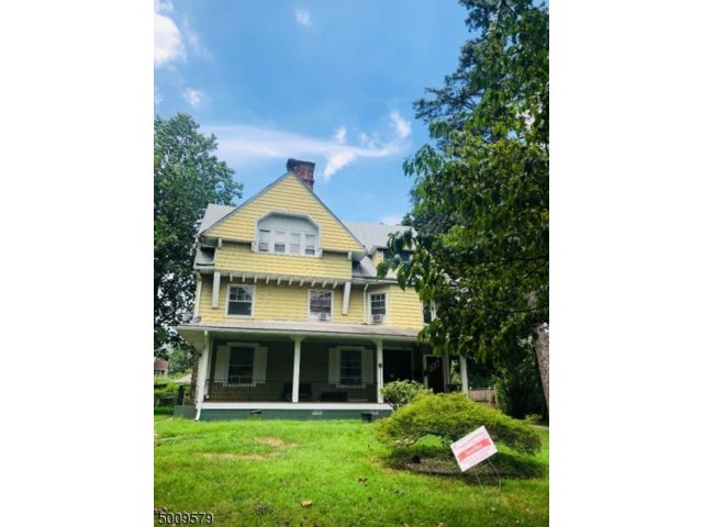 9 BR,  7.50 BTH Multi-family style home in Plainfield