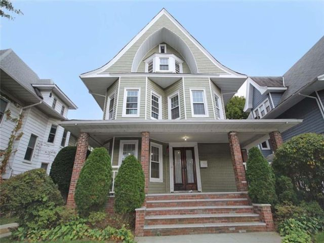 7 BR,  4.00 BTH  Multi-family style home in Ditmas Park