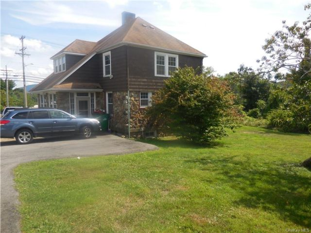 3 BR,  1.00 BTH Single family style home in New Windsor