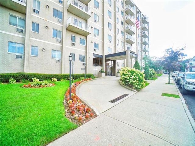 1 BR,  1.00 BTH  Condominium style home in Fort Wadsworth
