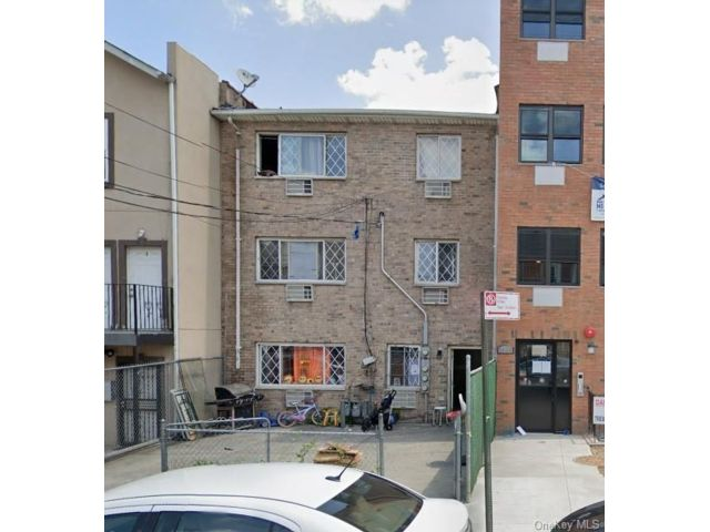 [Longwood Real Estate, listing number 6965678]