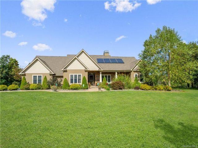 4 BR,  4.00 BTH Ranch style home in Crawford