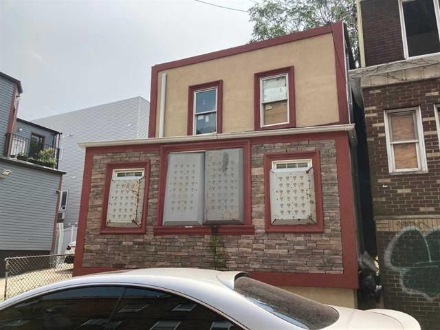 [Jersey City Real Estate, listing number 6965809]