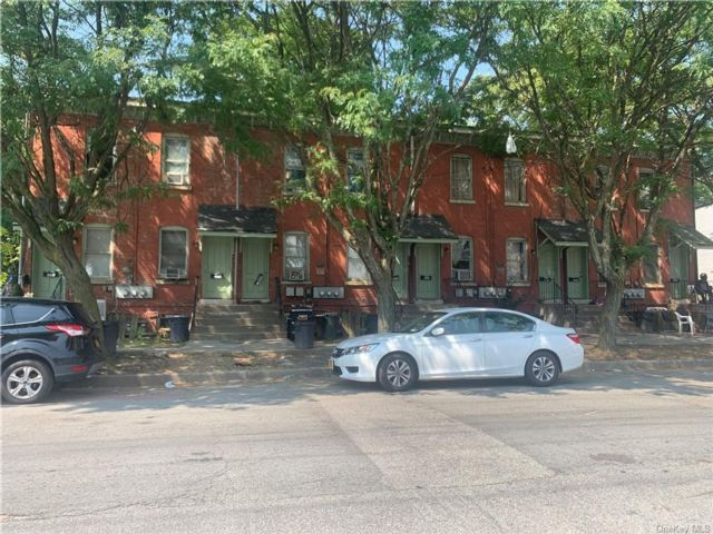 16 BR,  8.00 BTH Other style home in Newburgh City