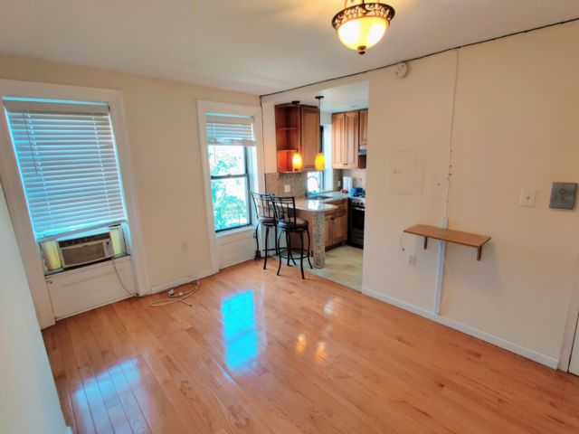 1 BR,  1.00 BTH Apartment style home in Brooklyn