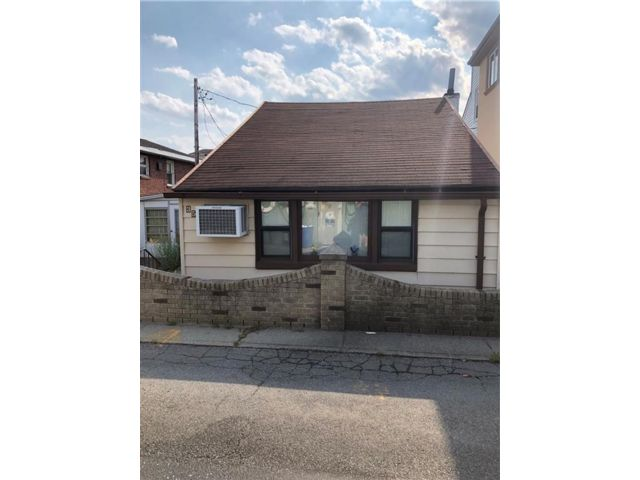2 BR,  1.00 BTH  Single family style home in Gerritsen Beach