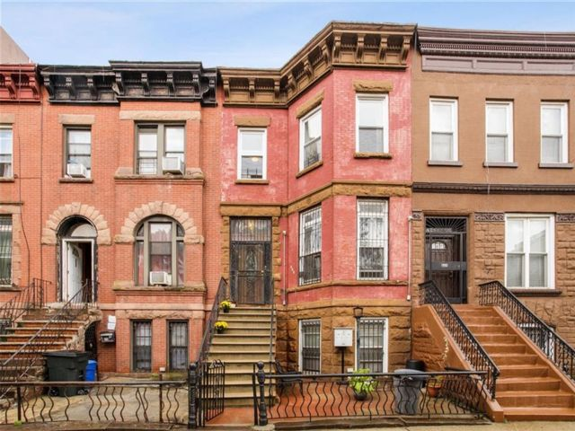 7 BR,  3.00 BTH  Multi-family style home in Bedford Stuyvesant