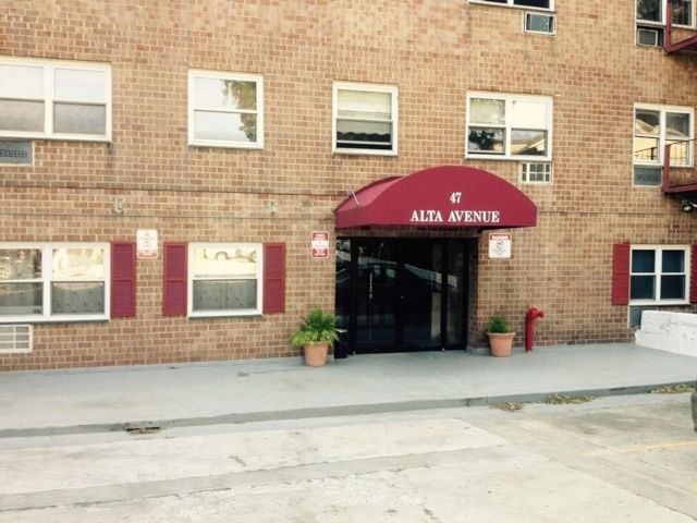1 BR,  1.00 BTH Co-op style home in Yonkers