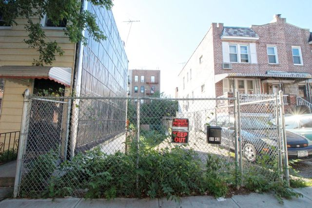 1 BR,  1.00 BTH Single-family h style home in Astoria