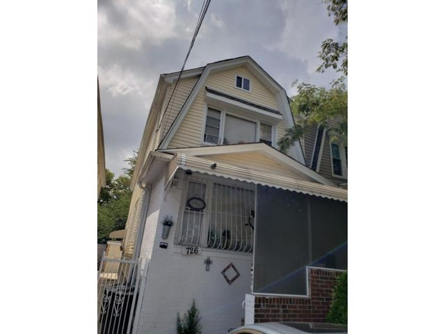 6 BR,  3.50 BTH  Multi-family style home in East Flatbush