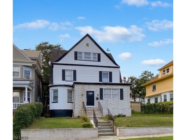5 BR,  3.55 BTH  Colonial style home in East Orange