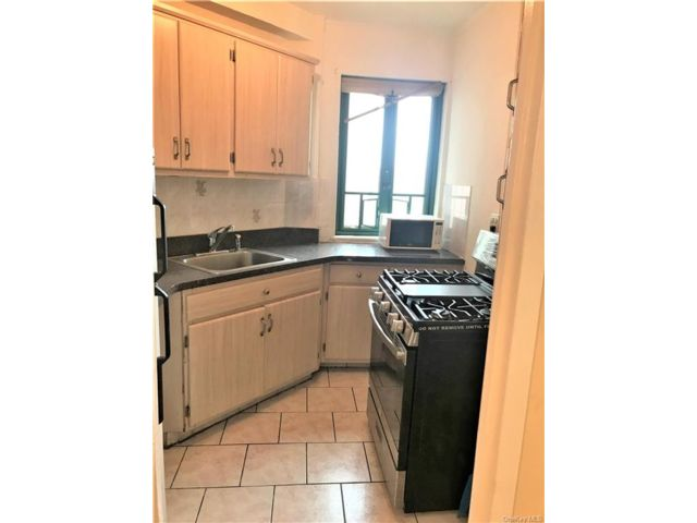 [Parkchester Real Estate, listing number 6967142]