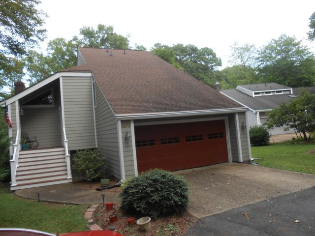 3 BR,  2.50 BTH  Contemporary style home in Grafton