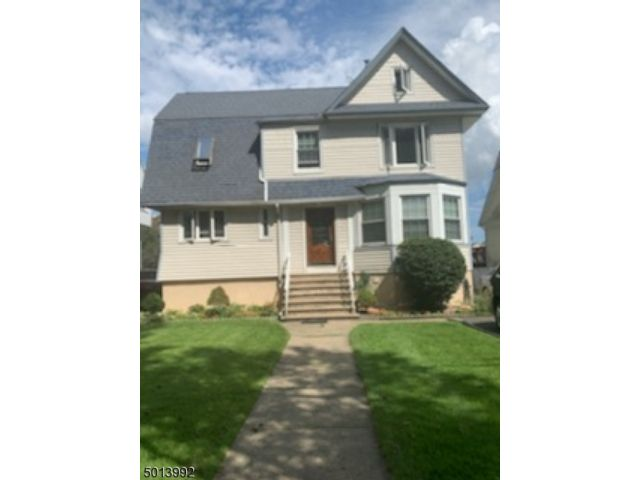 3 BR,  1.00 BTH House style home in Roselle Park