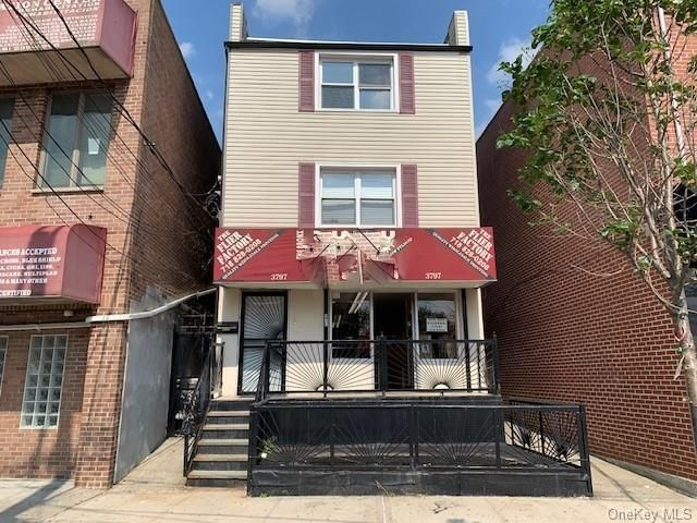 Studio,  0.00 BTH Commercial style home in Throggs Neck