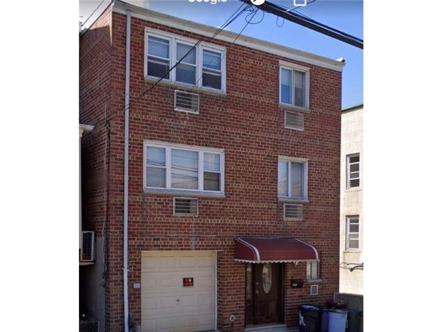 Studio,  0.00 BTH  Multi-family style home in Pelham Bay