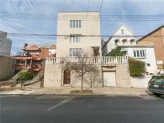 6 BR,  4.00 BTH  Multi-family style home in Dyker Heights