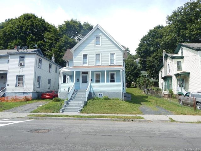 8 BR,  2.00 BTH  2 story style home in Middletown