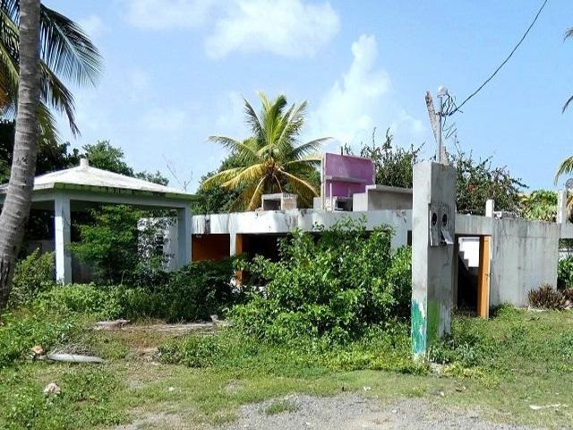 3 BR,  3.00 BTH   style home in Vieques
