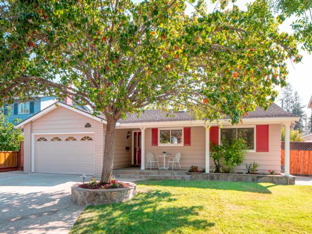 4 BR,  2.00 BTH  Ranch style home in San Jose