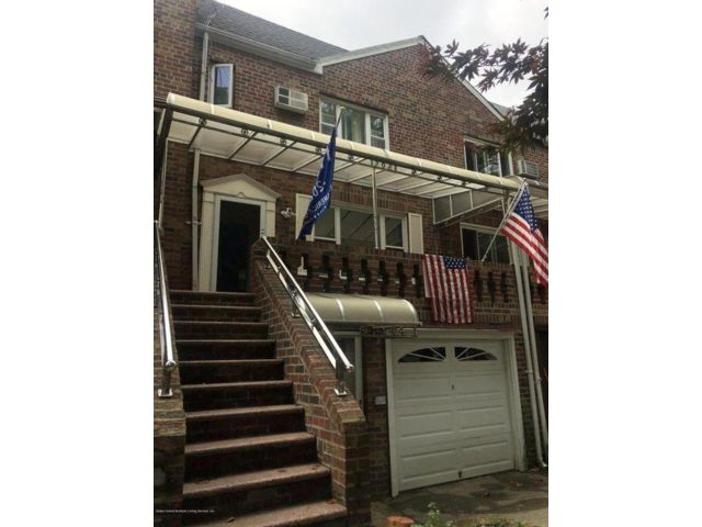 4 BR,  3.00 BTH  Duplex style home in Dyker Heights