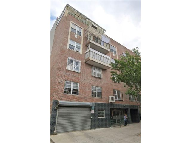 3 BR,  2.00 BTH Condominium style home in Sunset Park