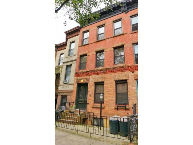 Studio,  0.00 BTH Multi-family style home in Park Slope