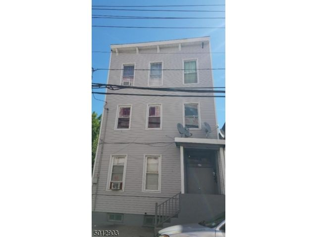 7 BR,  3.00 BTH  Multi-family style home in Paterson