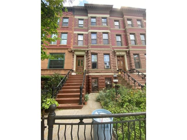 7 BR,  2.50 BTH  Multi-family style home in Bedford Stuyvesant
