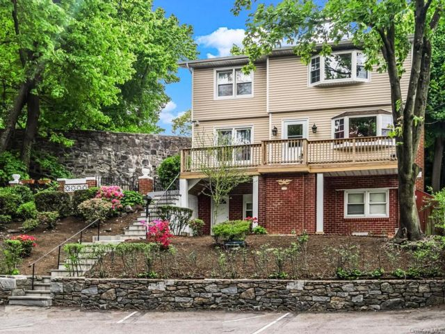 4 BR,  5.00 BTH  Colonial style home in Yonkers
