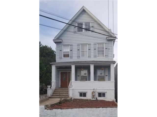6 BR,  3.00 BTH  House style home in Yonkers