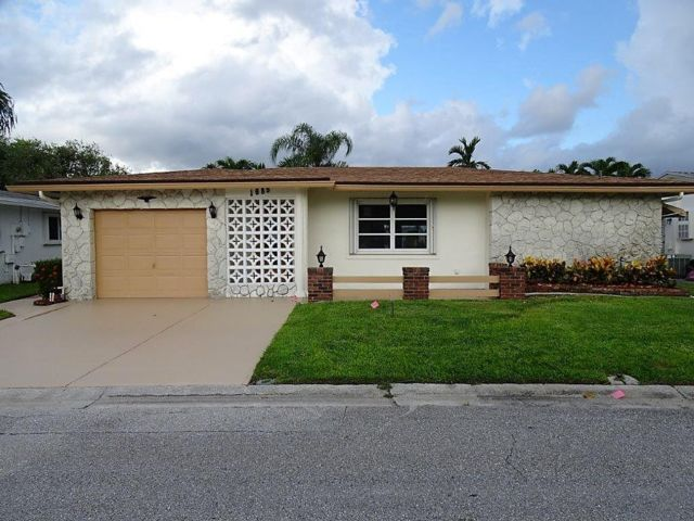 2 BR,  2.00 BTH Ranch style home in Coconut Creek