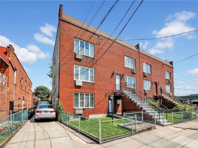 11 BR,  8.00 BTH  Multi-family style home in East Flatbush