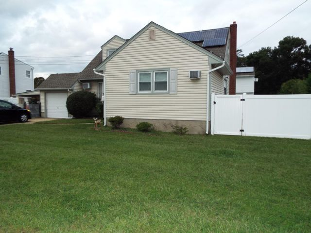 2 BR,  1.00 BTH Apartment style home in West Babylon