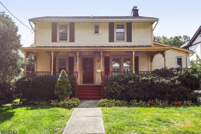 2 BR,  1.50 BTH  Colonial style home in Montclair