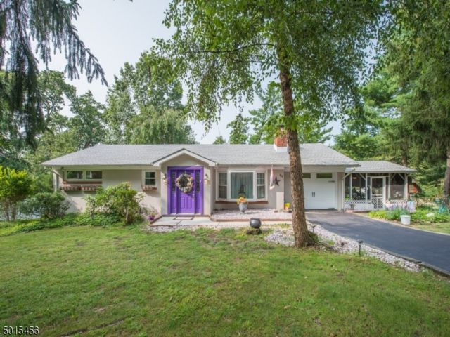 3 BR,  2.00 BTH  Ranch style home in Wayne