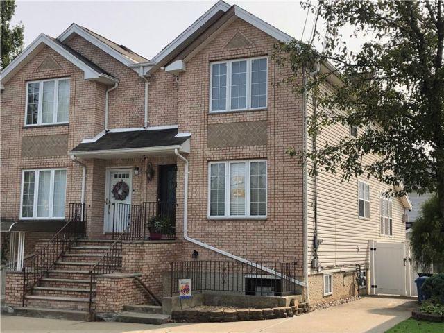 [Woodrow Real Estate, listing number 6968808]