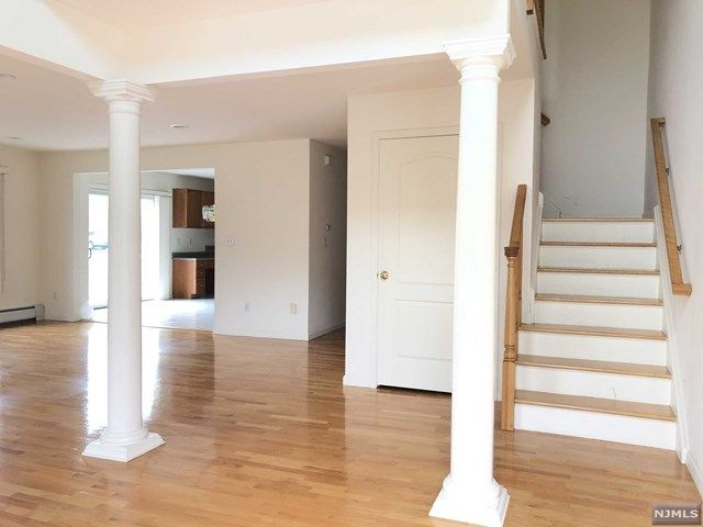 3 BR,  2.50 BTH Condo style home in Palisades Park