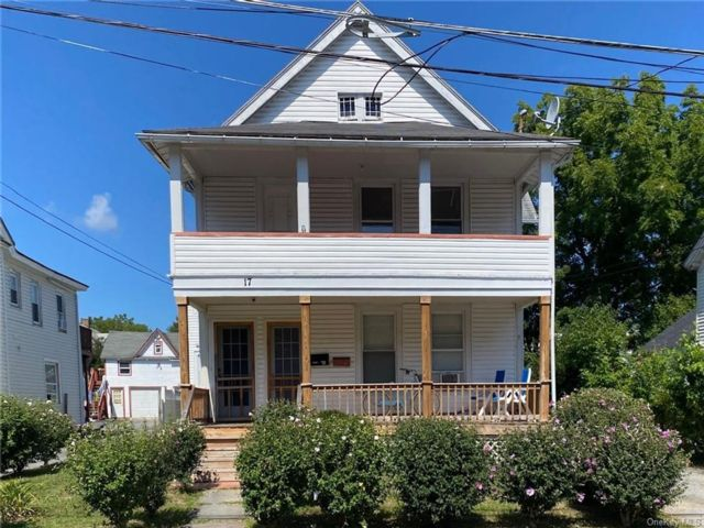 7 BR,  3.00 BTH  2 story style home in Middletown