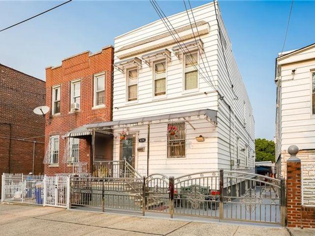 [Wakefield Real Estate, listing number 6969119]