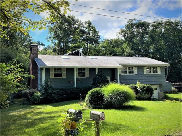 3 BR,  3.00 BTH Raised ranch style home in Wawarsing