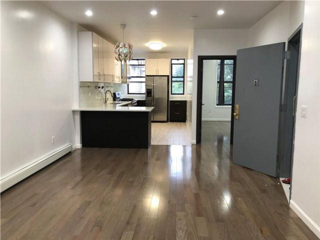 3 BR,  2.00 BTH Multi-family style home in Windsor Terrace