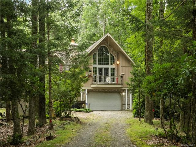 4 BR,  3.00 BTH Contemporary style home in Thompson