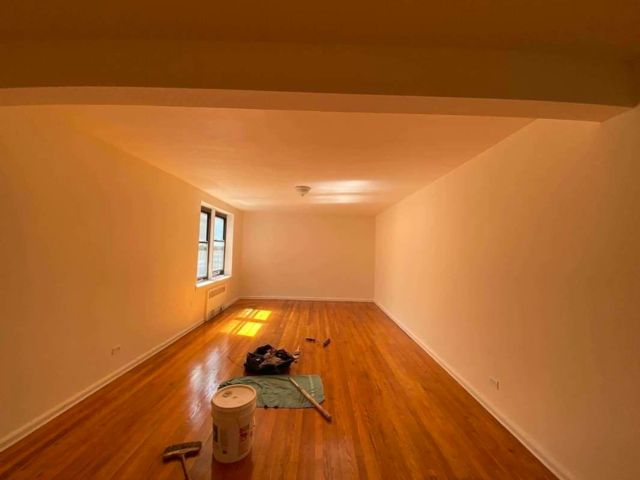 2 BR,  1.00 BTH Apartment style home in Bayside