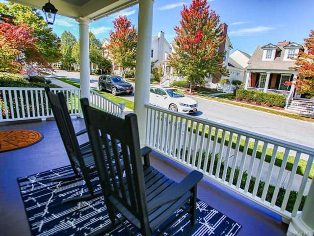 3 BR,  4.00 BTH Colonial style home in Warwick