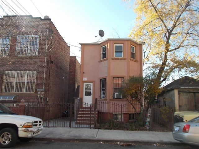 Studio,  0.00 BTH  Multi-family style home in Coney Island