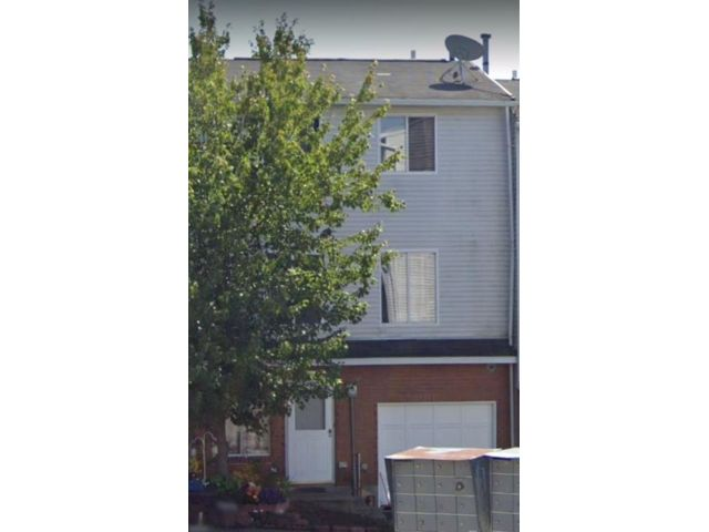 4 BR,  4.00 BTH Single family style home in Arden Heights