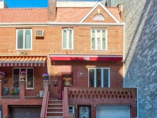 [Brighton Beach Real Estate, listing number 6969561]