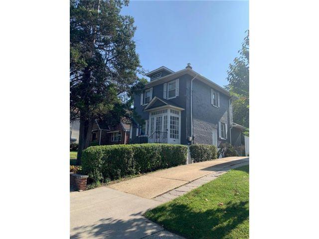 [Sunnyside Real Estate, listing number 6969564]